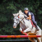 wakacje z końmi obóz sportowy, obóz odznaki, konie i lato, najlepszy obóz jeździecki, www.kjhuzar.pl
